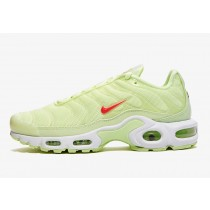 Nike Air Max Plus Barely Volt CI9090-700