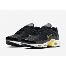 Nike Air Max Plus Negras Active Amarillas CN0142-001