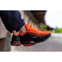Nike Air Max Plus Negras Hyper Crimson CI7701-001