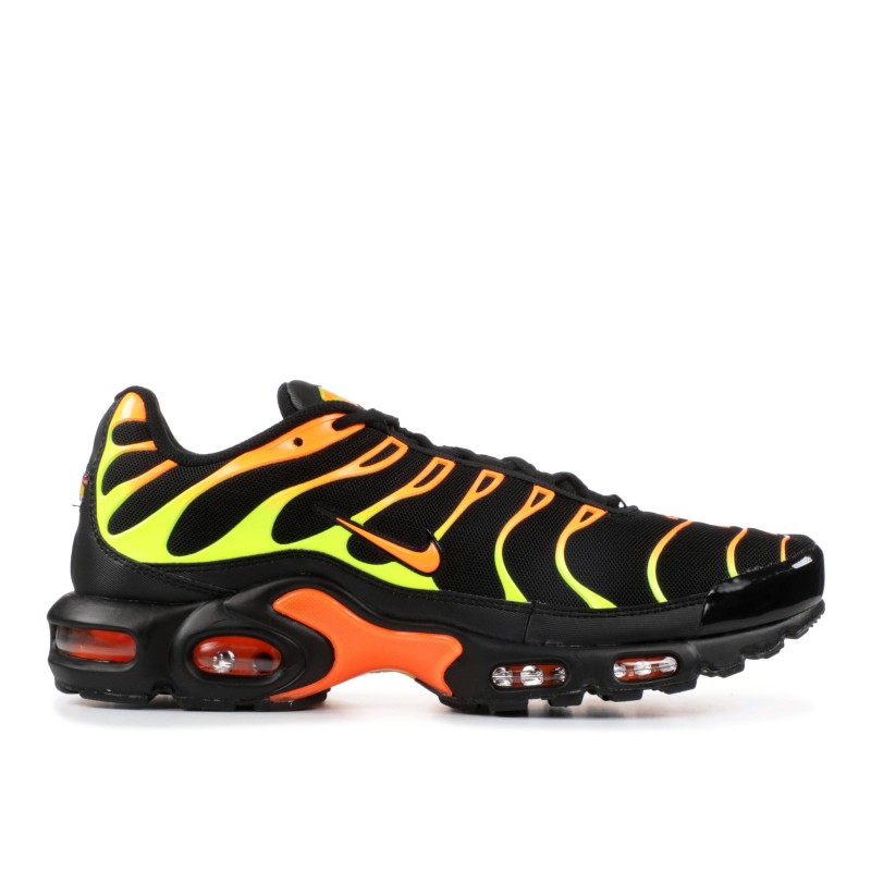 Air Max Plus Negras Volt Total Naranjas - 852630-033