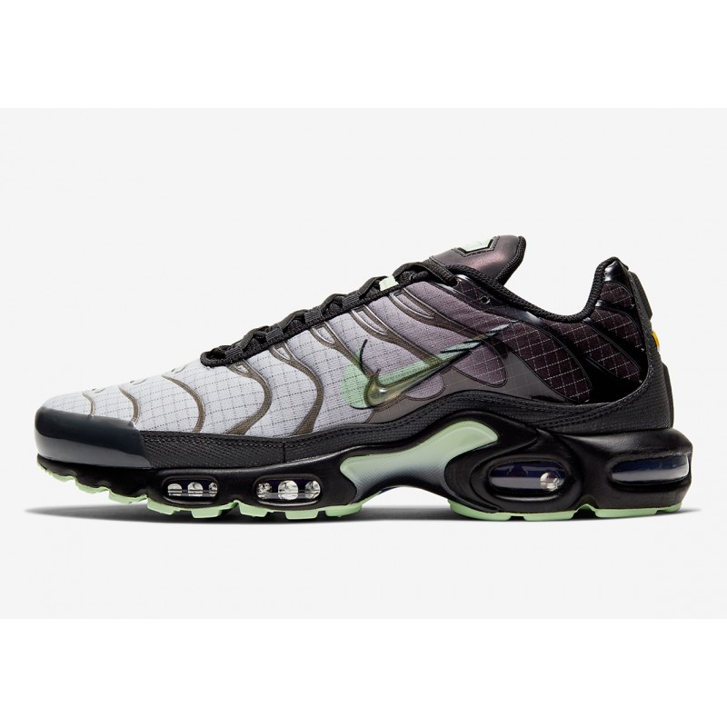 "Nike Air Max Plus ""Future Swoosh"" Negras/Mint CT1619-001"